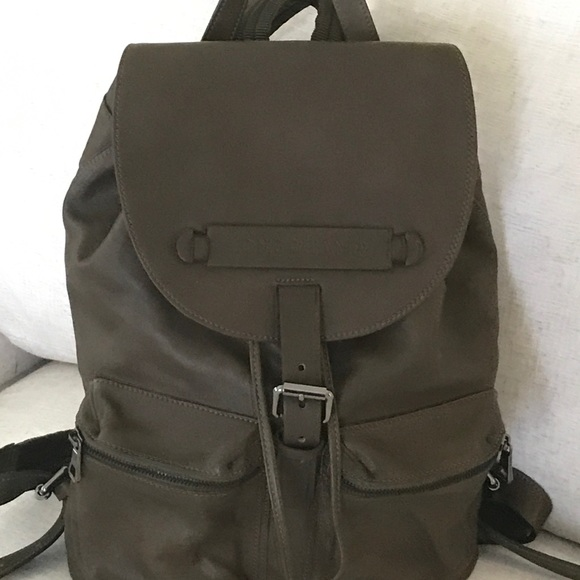 49c7bbf3ac5 Longchamp Bags   3d Leather Backpack   Poshmark